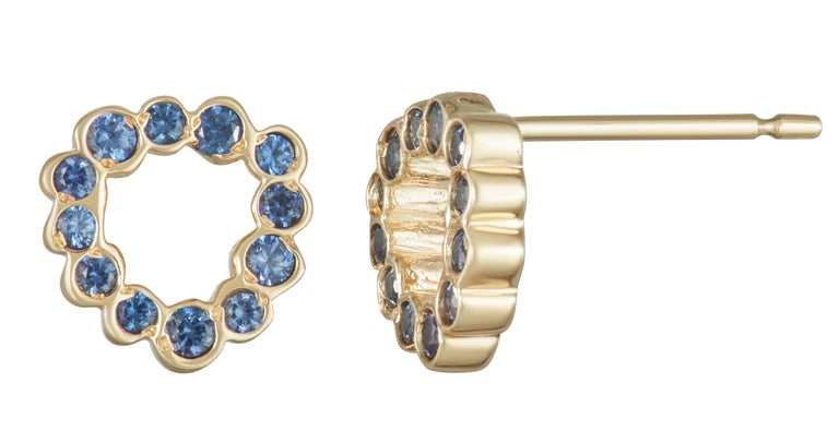 Contemporary 14 karat yellow gold Blue Sapphire stud earrings For Sale