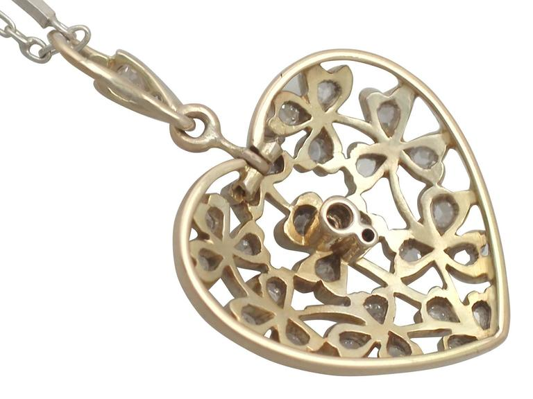 Antique Victorian 0.70 Carat Diamond and 12k Yellow Gold Pendant For Sale 3