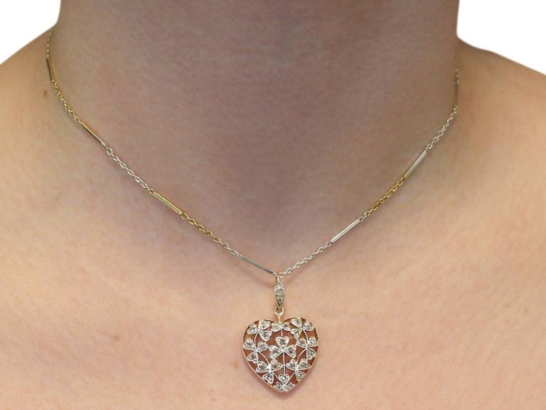 Antique Victorian 0.70 Carat Diamond and 12k Yellow Gold Pendant For Sale 4