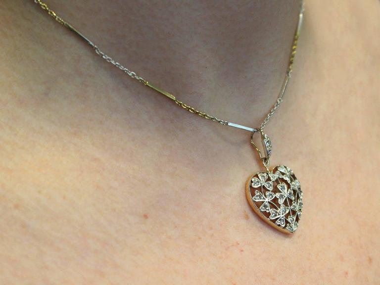 Antique Victorian 0.70 Carat Diamond and 12k Yellow Gold Pendant For Sale 5