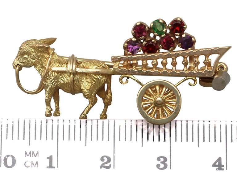 1960s Amethyst, Garnet and Peridot, Yellow Gold 'Donkey and Cart' Brooch For Sale 3