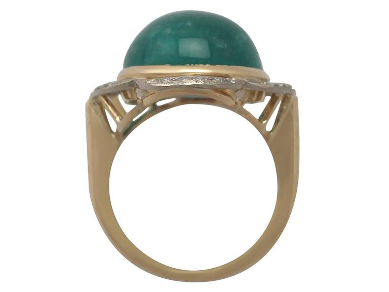 1940s 14.5 Carat Emerald and Diamond Yellow Gold Cocktail Ring 5