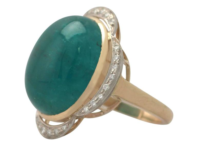 1940s 14.5 Carat Emerald and Diamond Yellow Gold Cocktail Ring 4