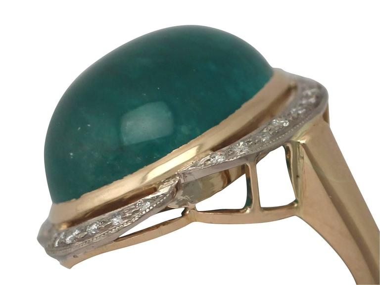 1940s 14.5 Carat Emerald and Diamond Yellow Gold Cocktail Ring 3