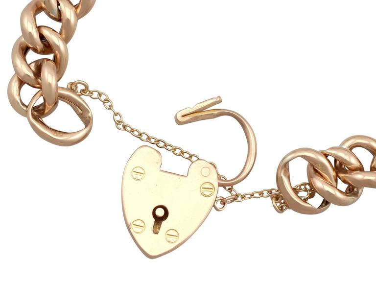Women's Antique 1901 Yellow Gold Bracelet with Heart Padlock Clasp For Sale
