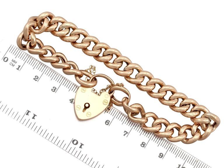 Antique 1901 Yellow Gold Bracelet with Heart Padlock Clasp For Sale 1