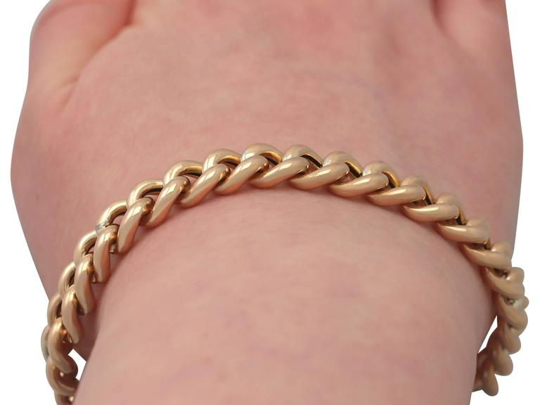 Antique 1901 Yellow Gold Bracelet with Heart Padlock Clasp For Sale 4