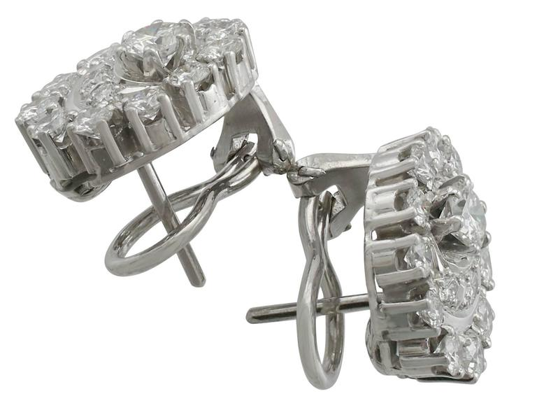 1980s 3.05 Carat Diamond White Gold and Platinum Set Cluster Earrings 5