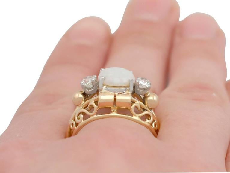 1930s French 1.82 Carat Opal and Diamond Yellow Gold Ring For Sale 4