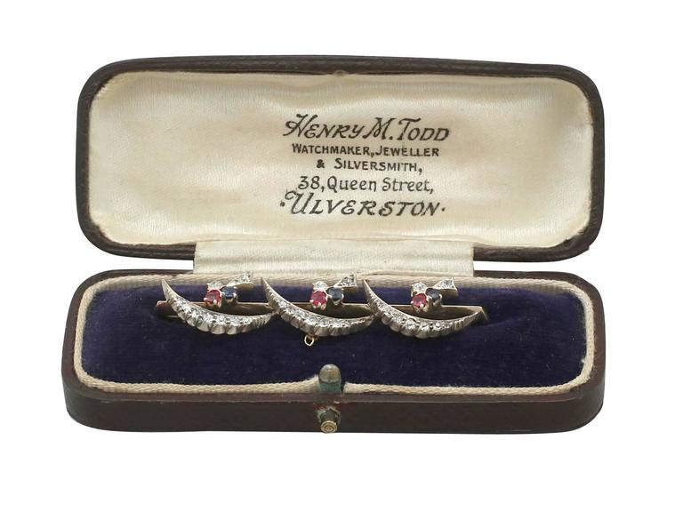 1880s Diamond Ruby and Sapphire Yellow Gold Bar Brooch For Sale 3