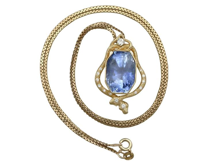 1950s 36.50 Carat Ceylon Sapphire and Diamond Yellow Gold Pendant 2