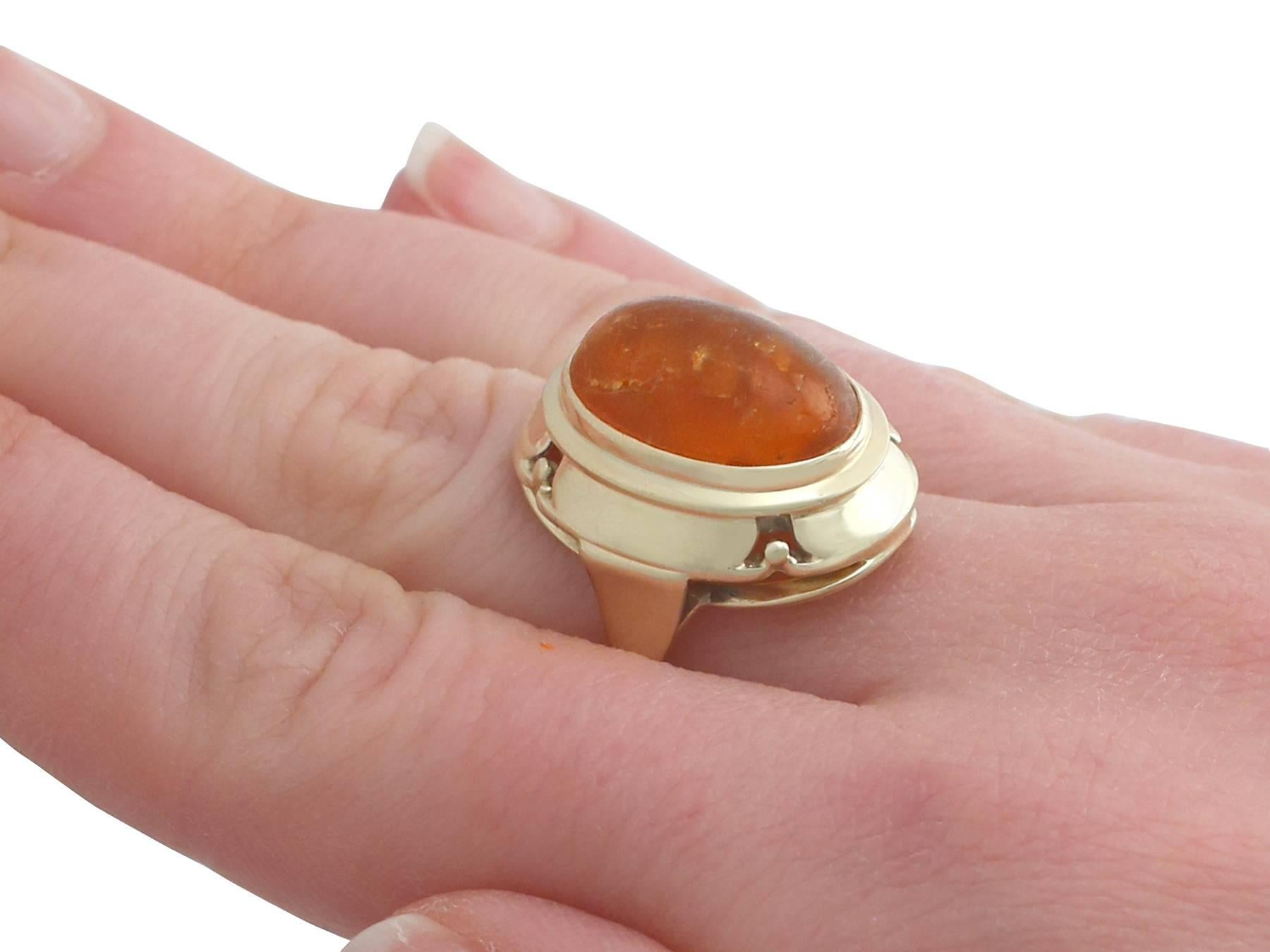 4.61 Carat Amber and Yellow Gold Ring, 1940s For Sale at 1stdibs