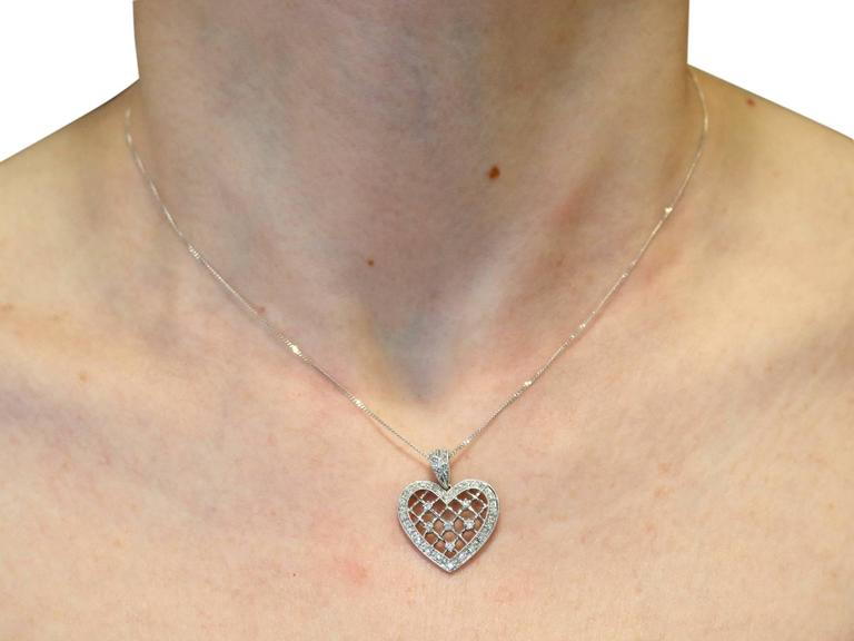 1960s Diamond White Gold Heart Pendant For Sale 4