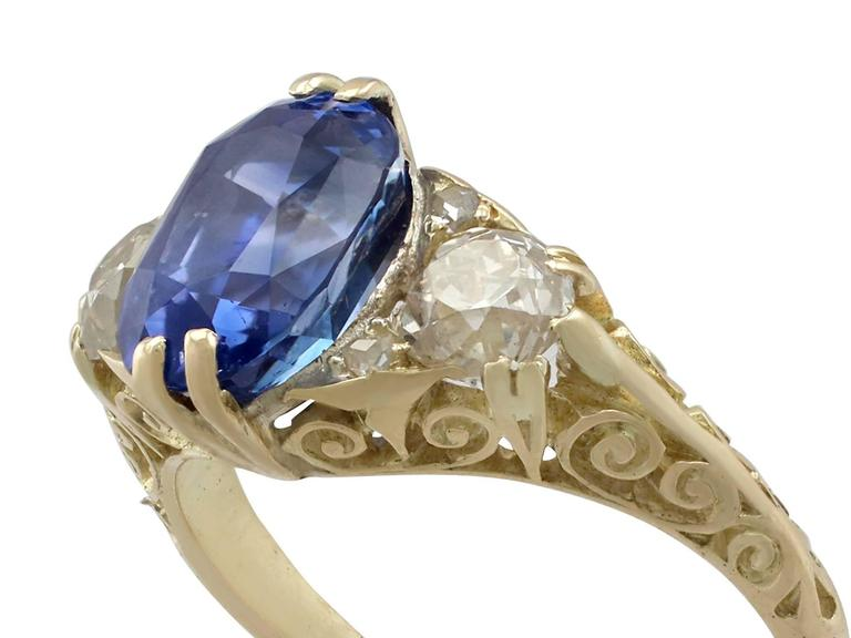 Round Cut 1890s Victorian 3.11 Carat Sapphire Diamond Yellow Gold Trilogy Ring For Sale