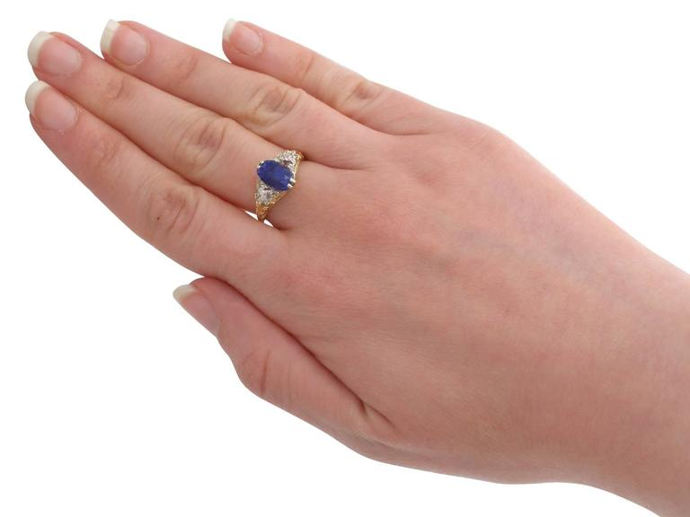 1890s Victorian 3.11 Carat Sapphire Diamond Yellow Gold Trilogy Ring For Sale 2