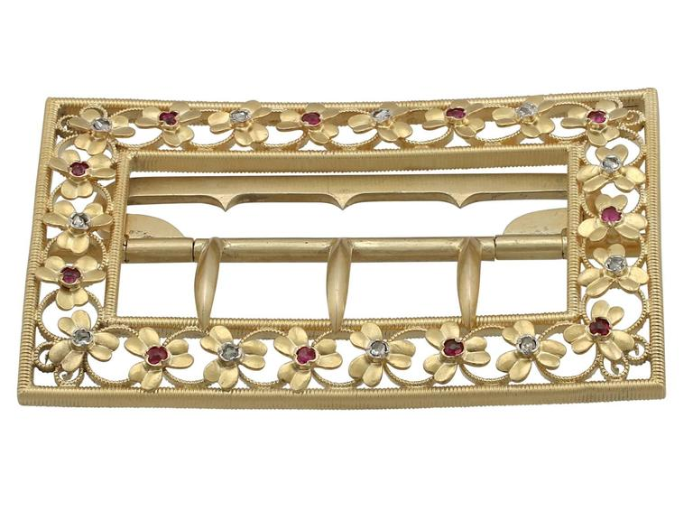 1860s Victorian Diamond and Ruby Yellow Gold Belt Buckle In Excellent Condition For Sale In Jesmond, Newcastle Upon Tyne