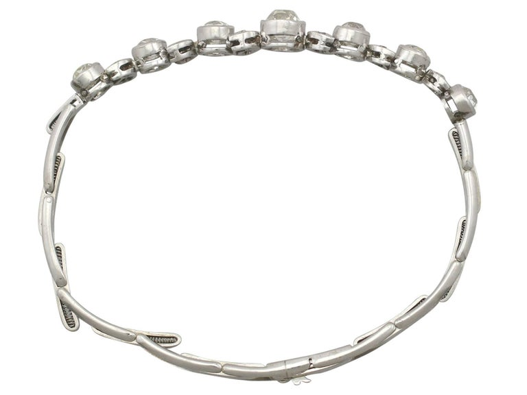 A stunning antique 3.20 carat diamond and 18 karat white gold, platinum set expandable bracelet; part of our diverse antique jewelry and estate jewelry collections  This stunning, fine and impressive 1930's diamond bracelet has been crafted in 18 k