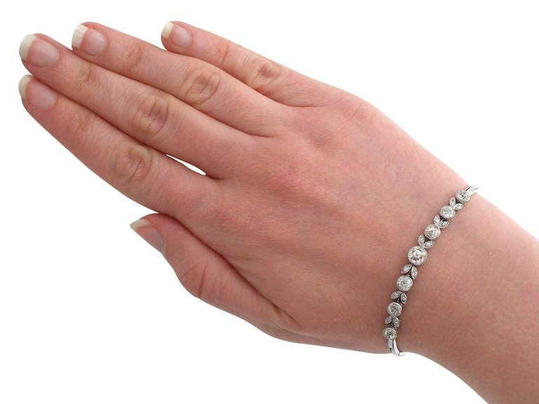 1930s 3.20 Carat Diamond and White Gold, Platinum Bracelet For Sale 4