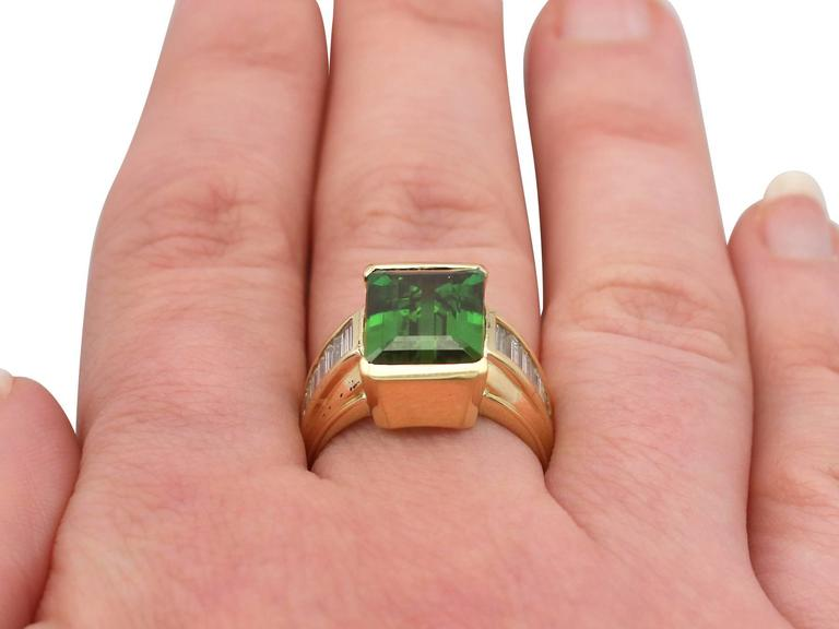 1990s 6.20 Carat Tourmaline and Diamond Yellow Gold Cocktail Ring For Sale 3