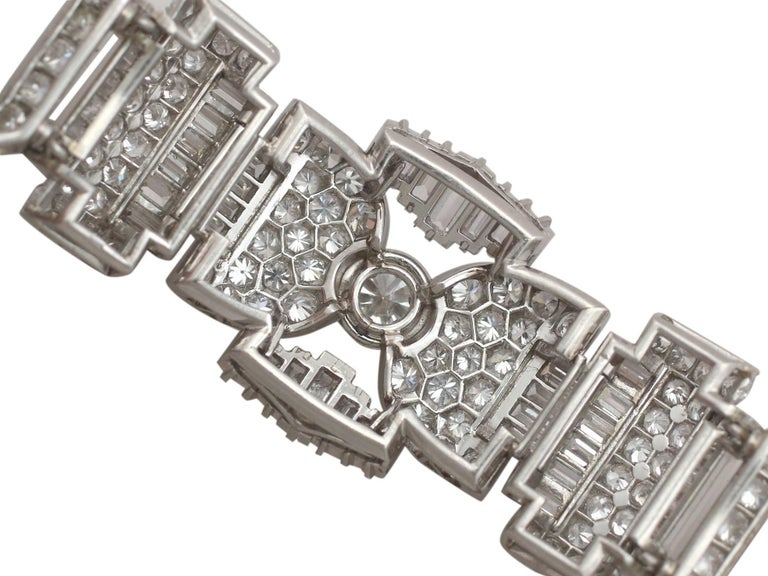 1950s French  21.38 Carat Diamond and Platinum Bracelet In Excellent Condition For Sale In Jesmond, Newcastle Upon Tyne