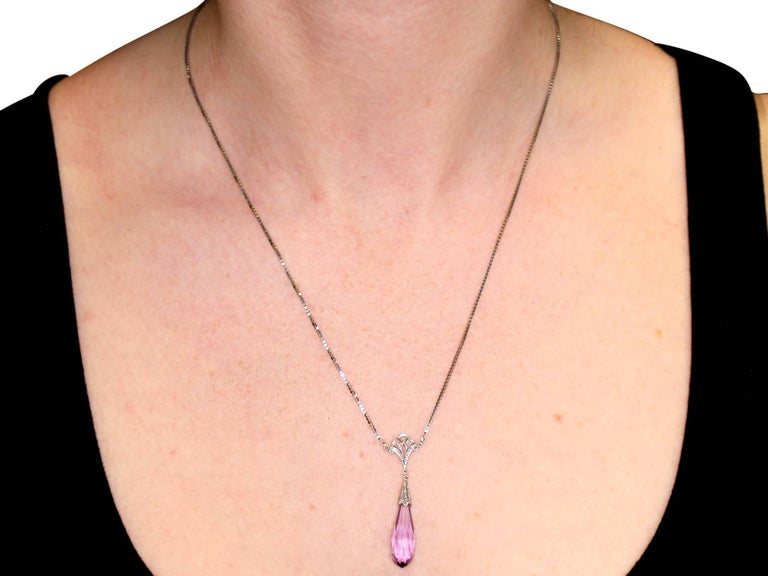 1920s 8.96 Carat Amethyst and Diamond Yellow Gold Necklace For Sale 3