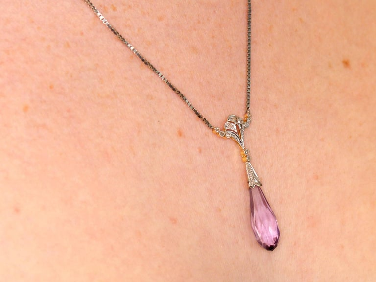 1920s 8.96 Carat Amethyst and Diamond Yellow Gold Necklace For Sale 4