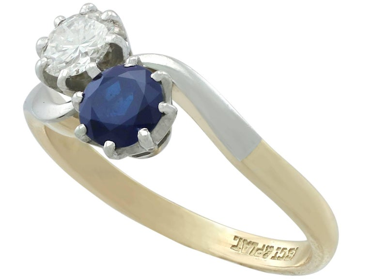 1950s Diamond and Sapphire Yellow Gold Twist Ring In Excellent Condition For Sale In Jesmond, GB