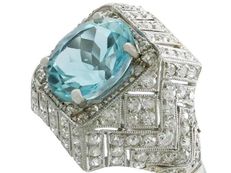 1930s Aquamarine and  Diamond Platinum Dress Ring In Excellent Condition For Sale In Jesmond, Newcastle Upon Tyne