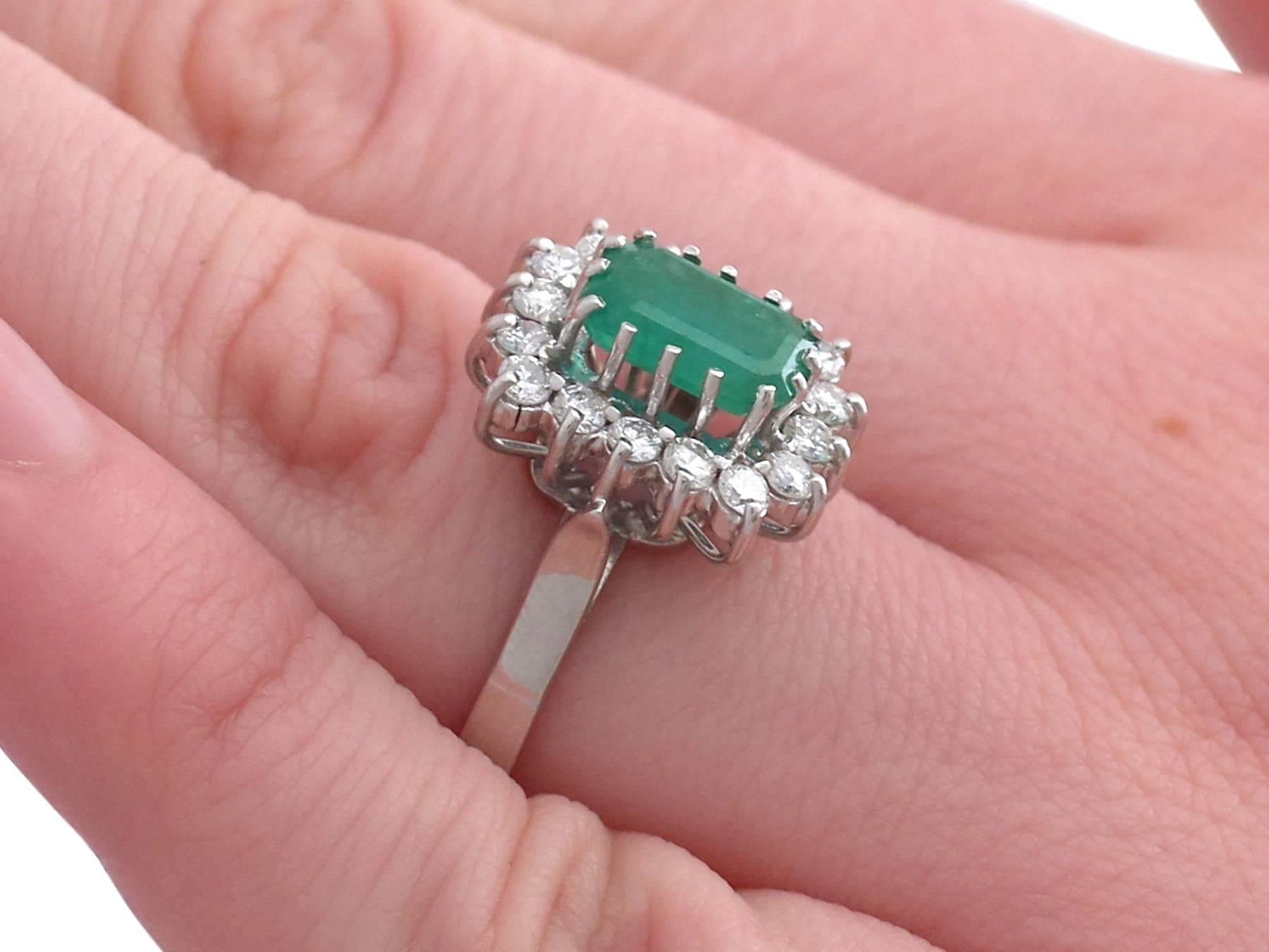 1980s Emerald and Diamond White Gold Cluster Ring For Sale at 1stdibs