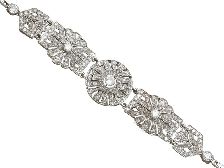 1940s Art Deco 4.48 Carat Diamond and Platinum Bracelet In Excellent Condition For Sale In Jesmond, Newcastle Upon Tyne