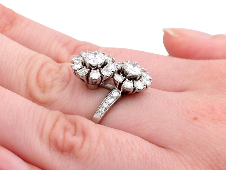 1970s 2.40 Carat Diamond and White Gold Twist Ring For Sale 4