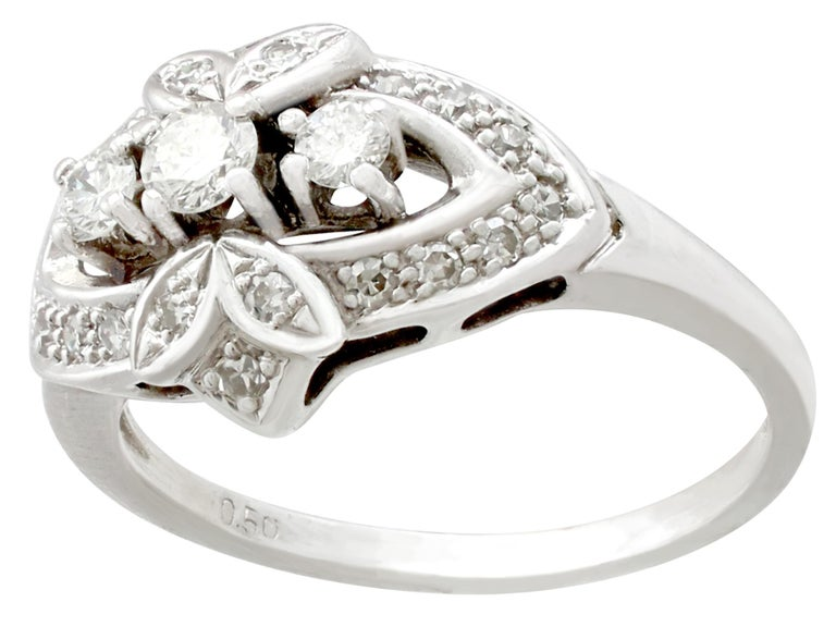 Vintage 1950s Diamond and White Gold Cocktail Ring  In Excellent Condition For Sale In Jesmond, Newcastle Upon Tyne