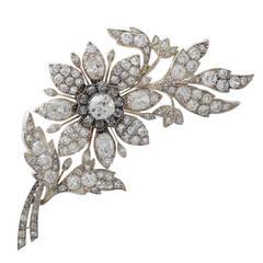 Antique Victorian 14.68 Carat Diamond Yellow Gold Floral Brooch