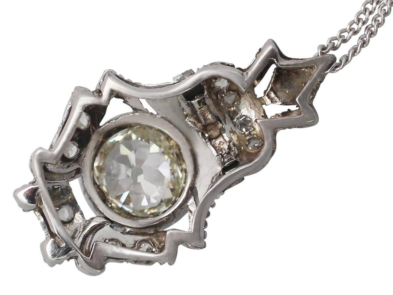 0.84 Carat Diamond and 18 Karat White Gold Pendant, Antique, circa 1900 For Sale 2