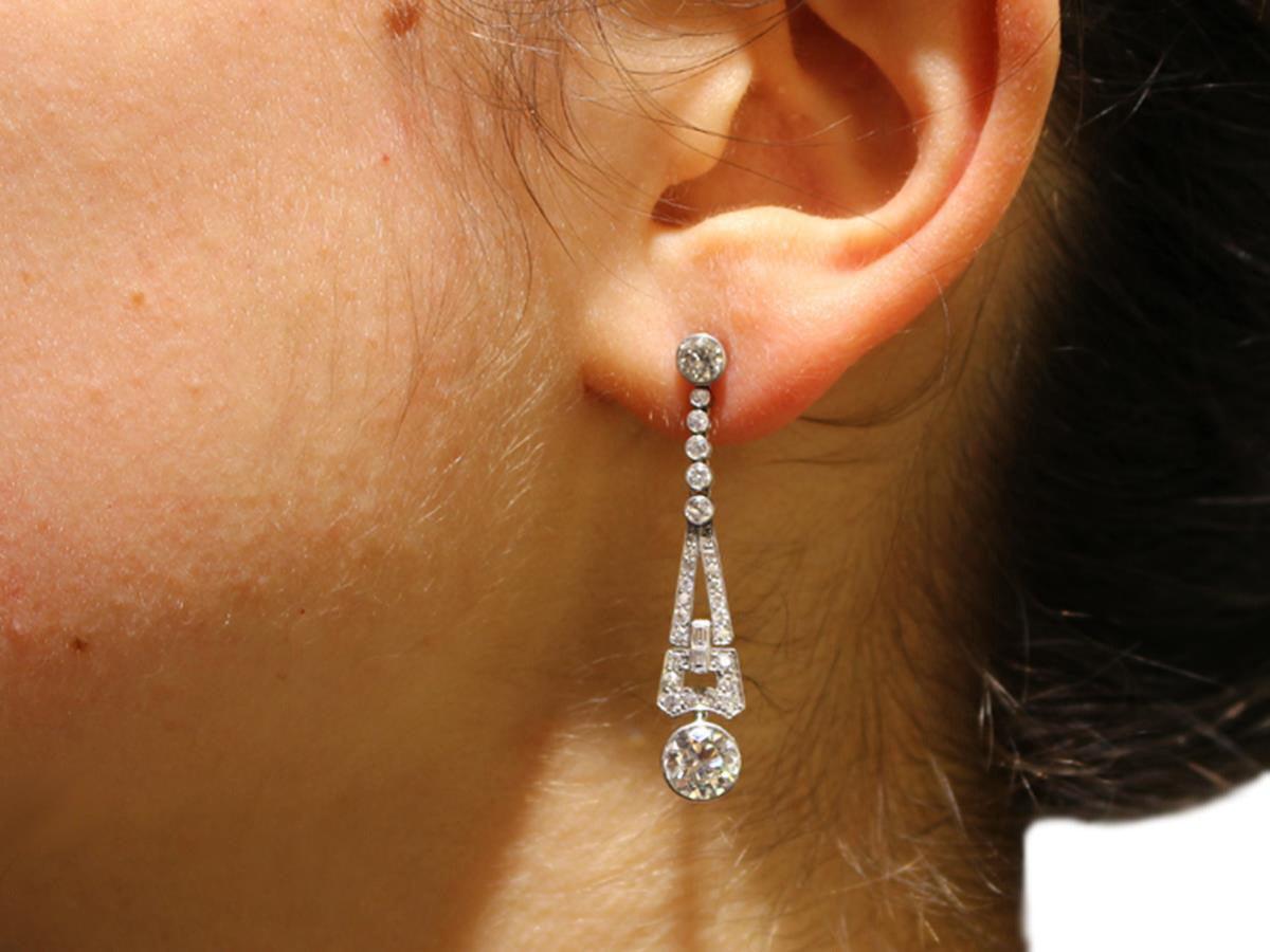1920s 3.02 Carat Diamond Platinum Art Deco Drop Earrings 7