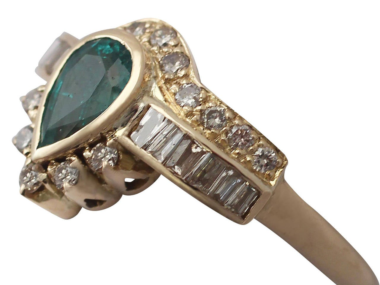 Contemporary Emerald & Diamond Yellow Gold Cocktail Ring For Sale