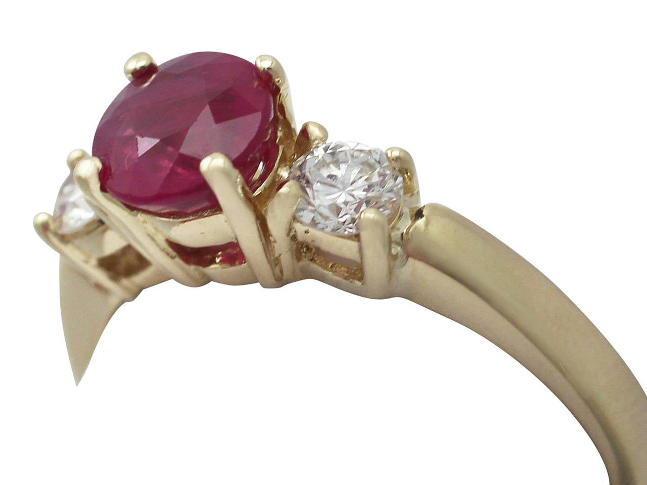 Round Cut 1.32Ct Ruby & 0.46Ct Diamond, 18k Yellow Gold Trilogy Ring - Contemporary  For Sale
