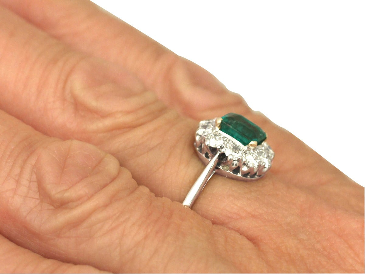 0.88 Ct Emerald and 0.65 Ct Diamond 18k White Gold Cluster Ring - Vintage 8