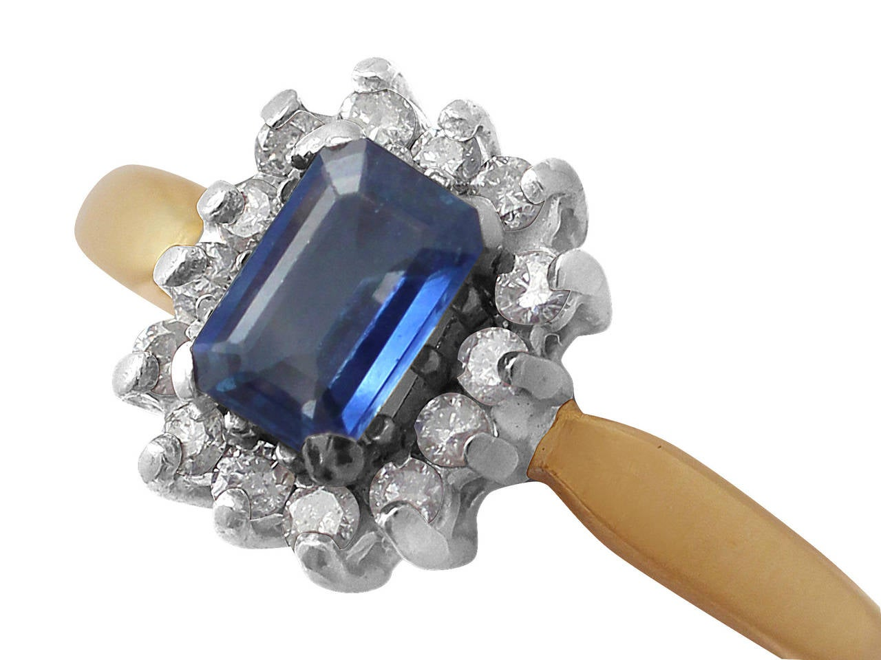 0.48Ct Sapphire & 0.35Ct Diamond, 18k Yellow Gold Cluster Ring - Vintage 3