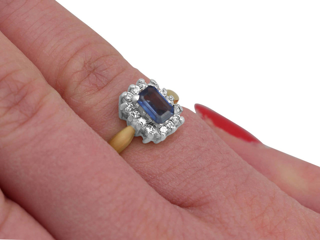 0.48Ct Sapphire & 0.35Ct Diamond, 18k Yellow Gold Cluster Ring - Vintage 8