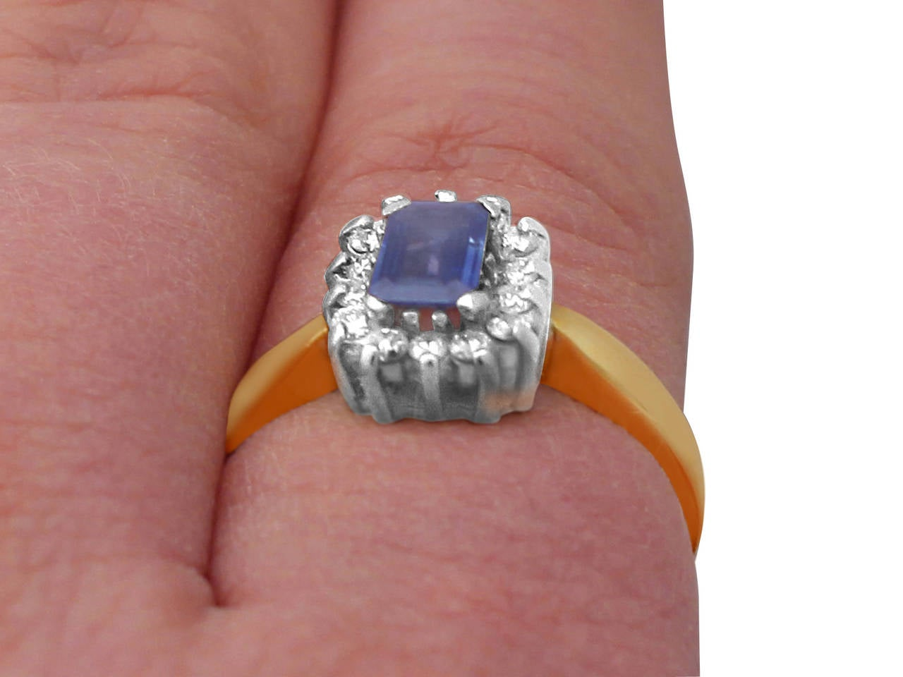 0.48Ct Sapphire & 0.35Ct Diamond, 18k Yellow Gold Cluster Ring - Vintage 9