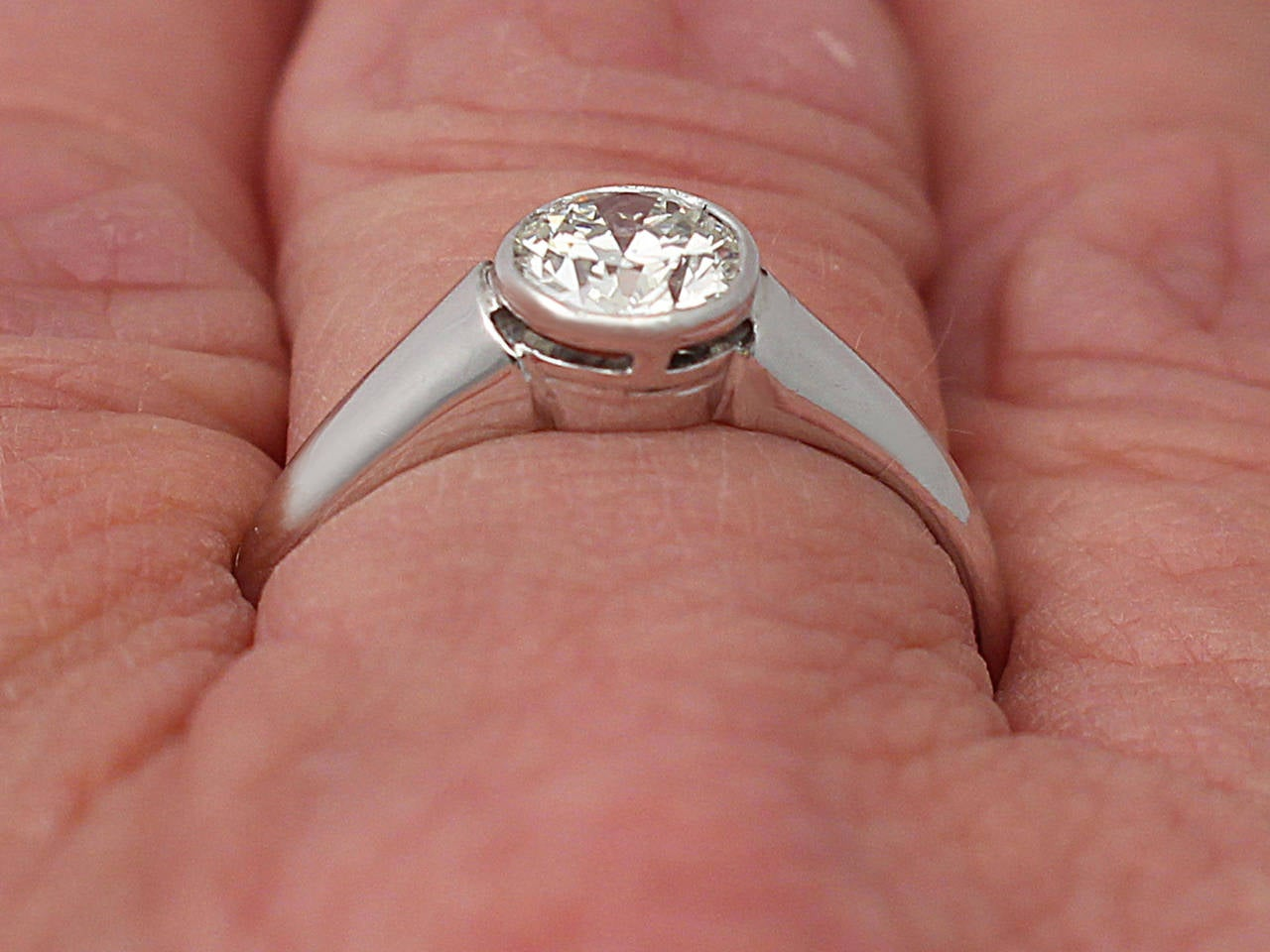 Antique 1930s Diamond and White Gold Solitaire Ring For Sale at 1stdibs