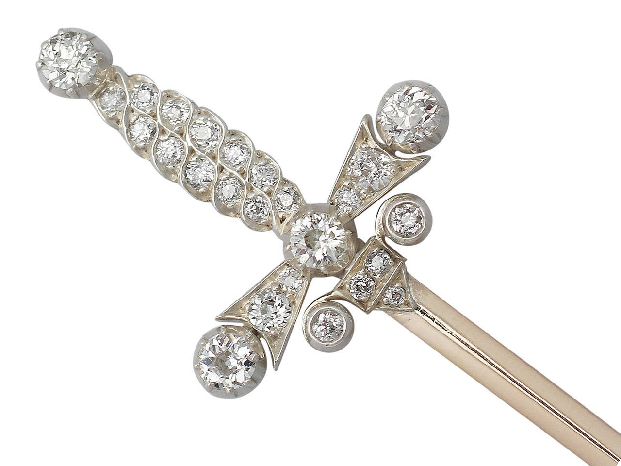 1.59Ct Diamond & 9k Yellow Gold Jabot Pin 'Sword' Brooch - Antique Edwardian In Excellent Condition For Sale In Jesmond, GB