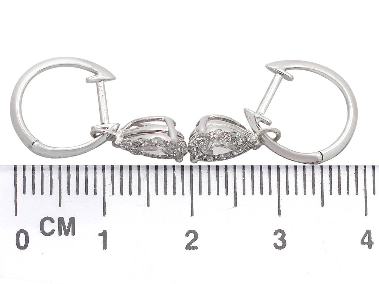 0.70 ct Diamond and White Gold Drop Earrings 7