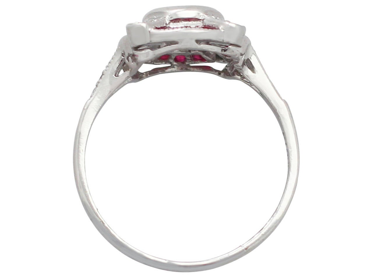 1940s Ruby and Diamond Platinum Cocktail Ring In Excellent Condition For Sale In Jesmond, GB