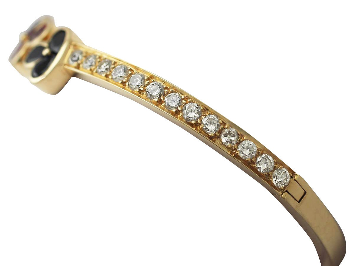 1.05Ct Ruby, 0.98Ct Sapphire & 2.16Ct Diamond, 18k Yellow Gold Bangle - Vintage In Excellent Condition For Sale In Jesmond, GB