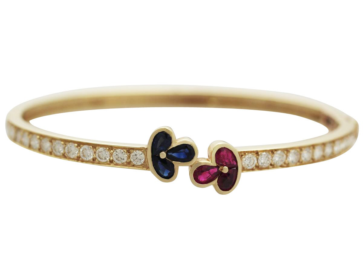 Women's 1.05Ct Ruby, 0.98Ct Sapphire & 2.16Ct Diamond, 18k Yellow Gold Bangle - Vintage For Sale