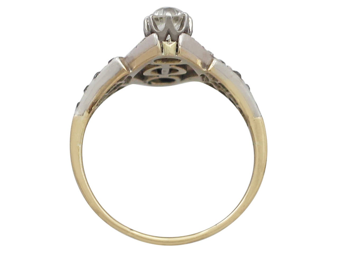 1900s Antique 1.15 Carat Diamond and Pearl Yellow Gold Cocktail Ring For Sale 1