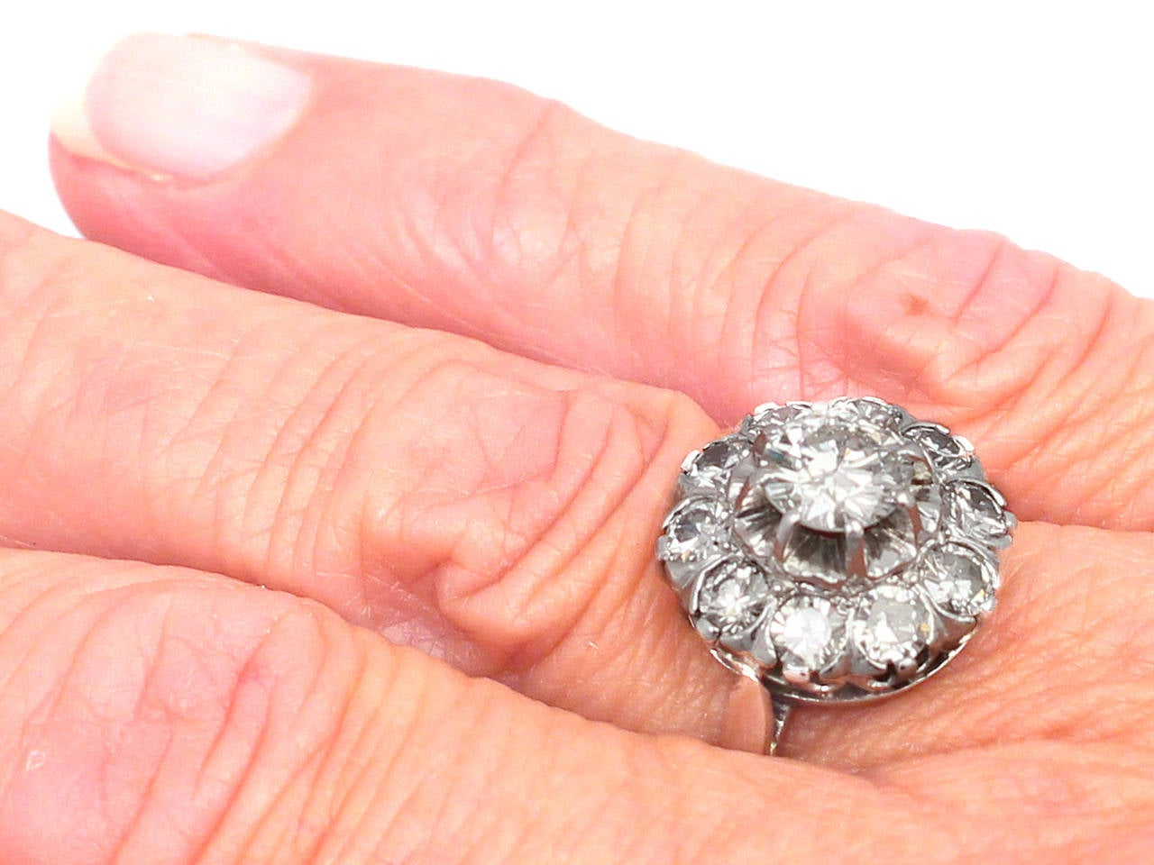 1.35Ct Diamond and 18k White Gold Cluster Ring - Vintage Circa 1950 For Sale 3