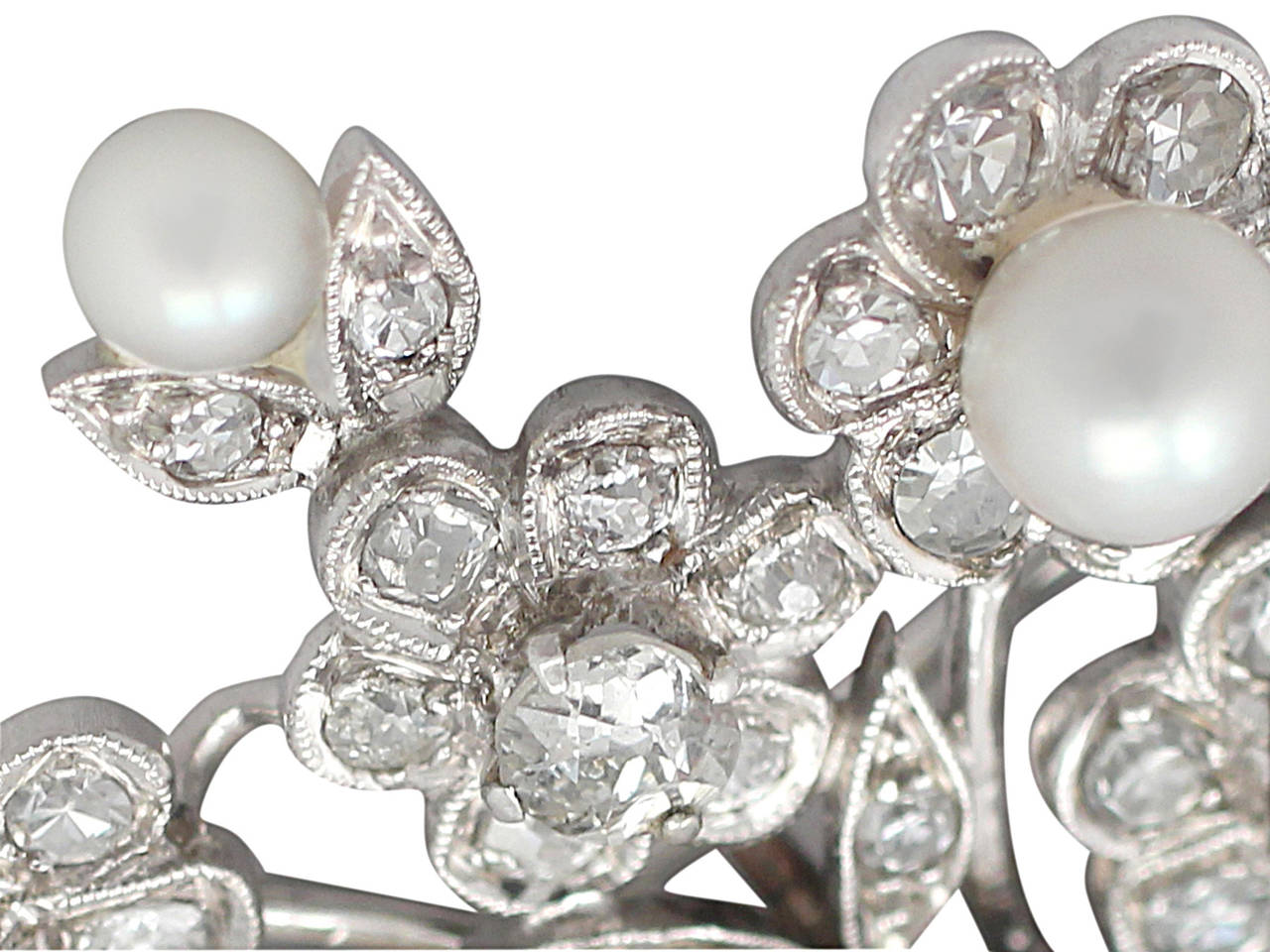 2.81Ct Diamond and Pearl, 14k White Gold Brooch - Antique Circa 1900 4